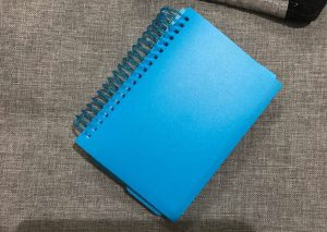 Spiral-bound pack of 100 index cards with a blue cover
